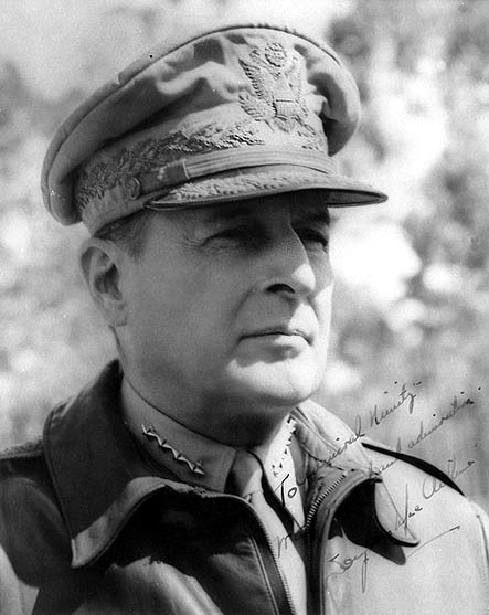 Douglas MacArthur and korea